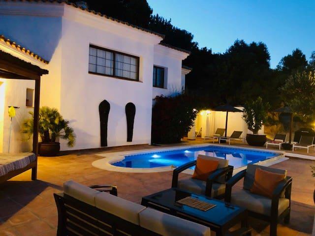 Villa Los Olivos with private pool
