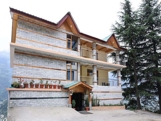 OYO Mountain-View 1BR Home In Manali - Flash Sale
