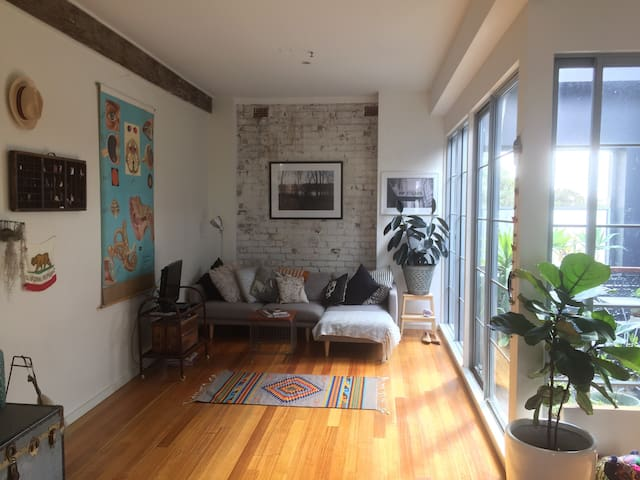 Converted Warehouse Apartment - Lilyfield - Apartamento