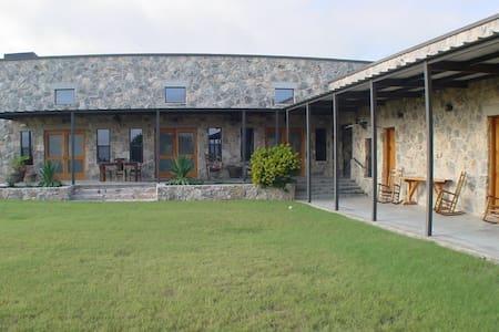 Pecan Creek Lodge - San Angelo - Muu