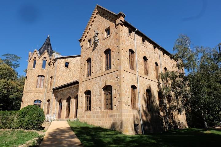 Castillo de Villavecchia (1893) - renovado 2019