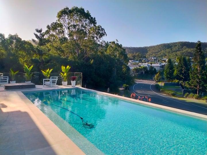 Luxury Gold Coast Lakehouse