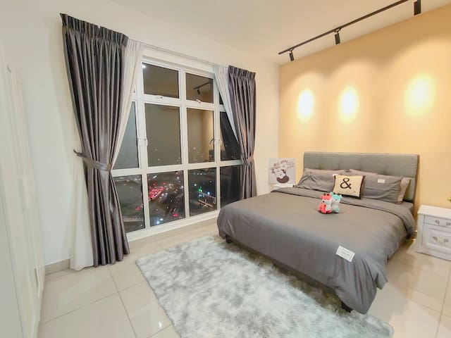 master room with queen size bed/private washroom