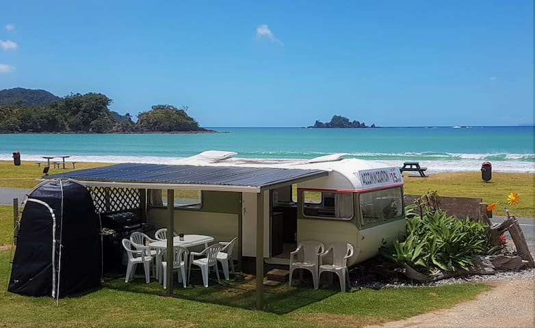 OAKURA BEACHFRONT CARAVAN