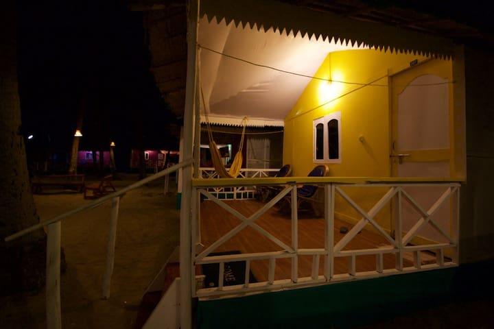 Family Room @ Palolem Beach - Palolem Beach - Хижина
