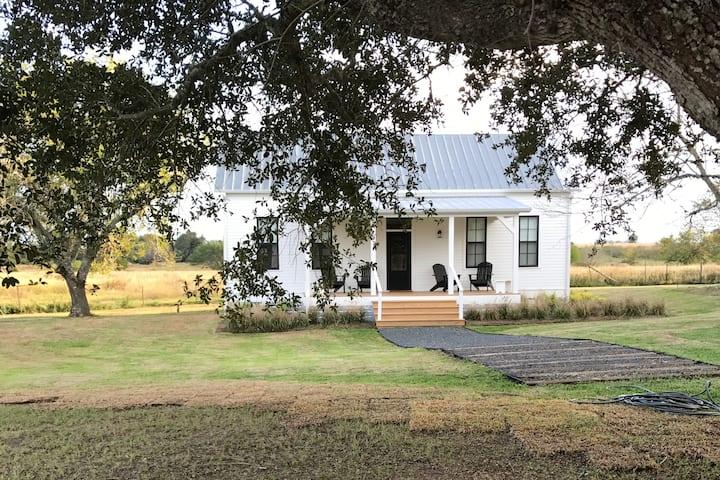 Historic Trinity Farm Guest House near Round Top