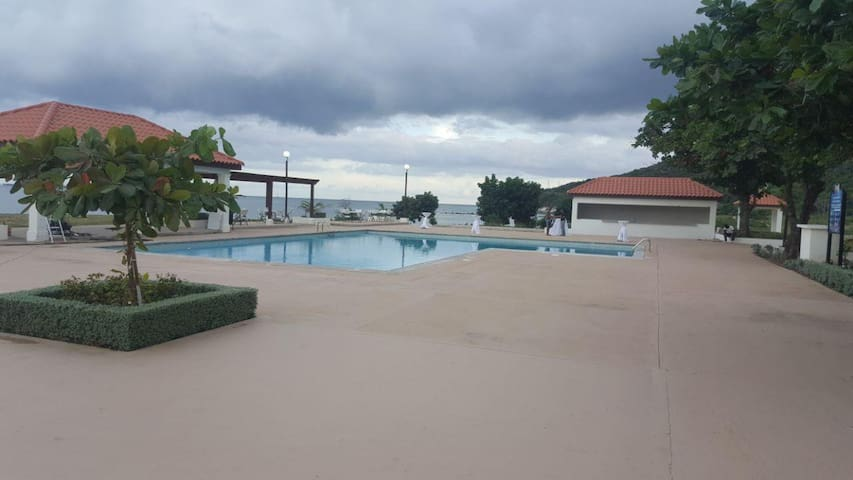 BayFront Beach Villa ll