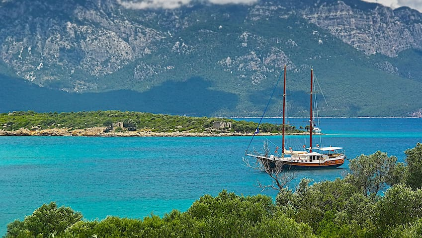 2020? Private Cruise! Greek islands, max. 12 pers.