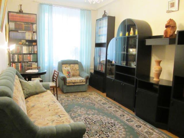Сдам уютную просторную комнату - Sankt-Peterburg - Byt