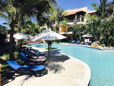 1B  - PREMIUM Apartment Pool views