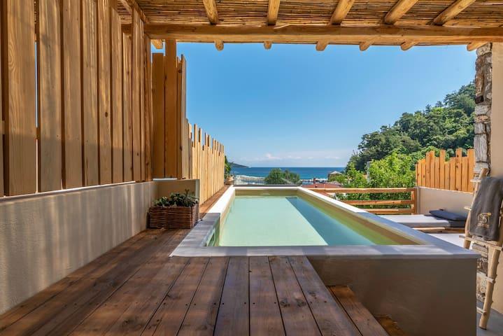 Superior Suite | Sea View | Private Swimming Pool