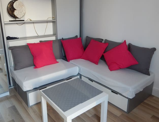 Furnished studio near La Défense