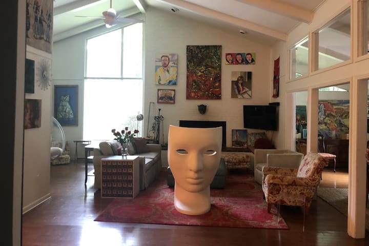Art-filled Mid-Century Modern, 1 mi from Square
