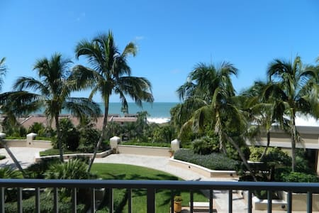 Beachfront Condo in Luxury Resort 705 - Marco Island