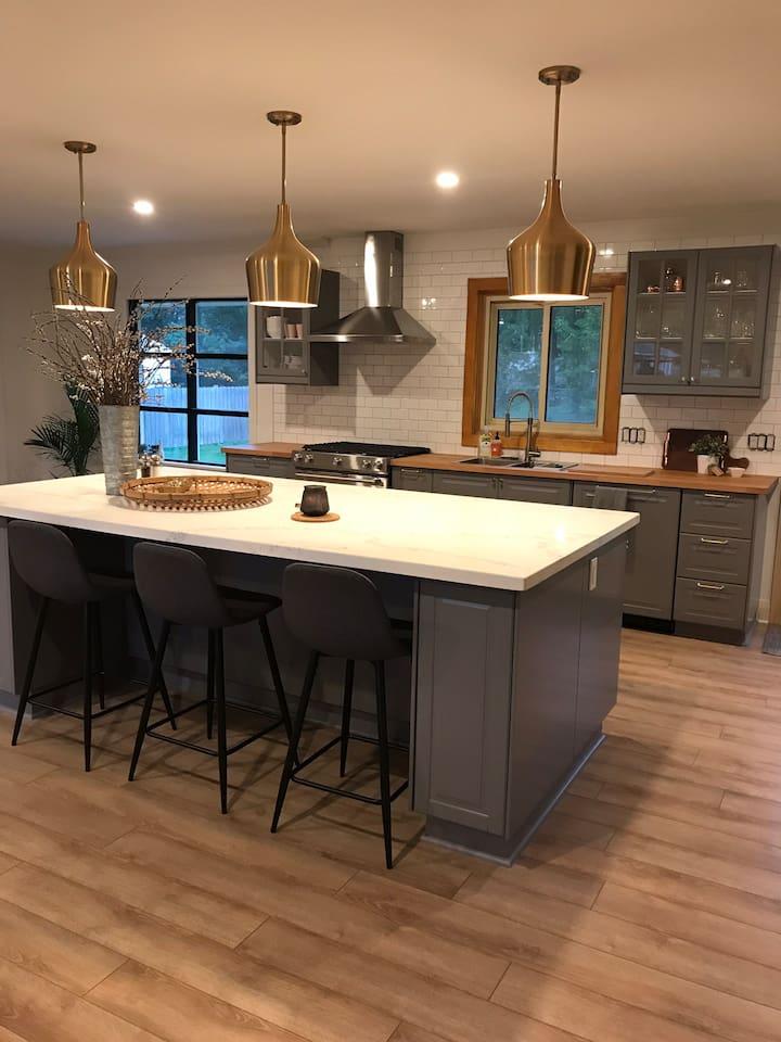 Large open- concept kitchen