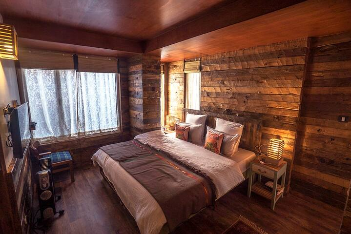 Private Room at Meena Bagh, Shimla - Shimla