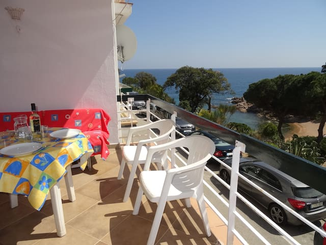 Cala Salions. One minute by foot to the beach. - Tossa de Mar - Wohnung