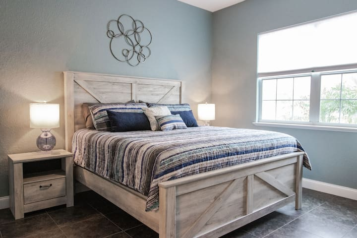 King size bed with night stand storage