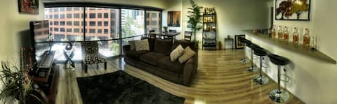 Modern apartment in the heart of Honolulu!!