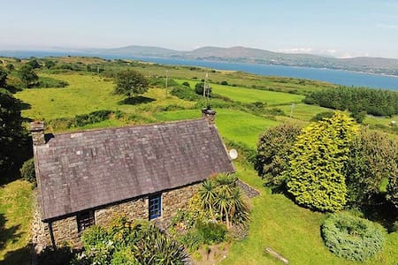 Carbery 3, Durrus, Co.Cork - 3 Bed - Sleeps 6 - Hus