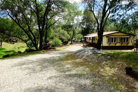 Boulder Creek Retreat - Mariposa