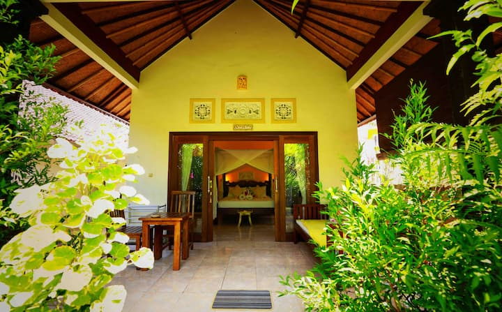 KIRANA HOMESTAY (SUNSHINE BUNGALOW)