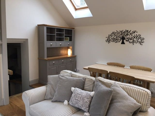 The Annexe, The Gables, Alderton, Nr Castle Combe