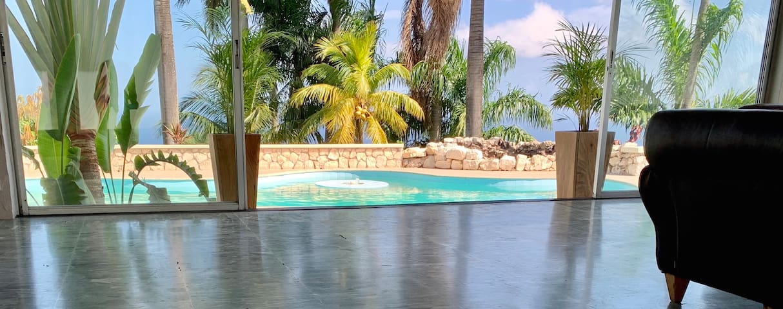 Luxury2 BR Apartment 950ft Balcony Sea/Mt View's