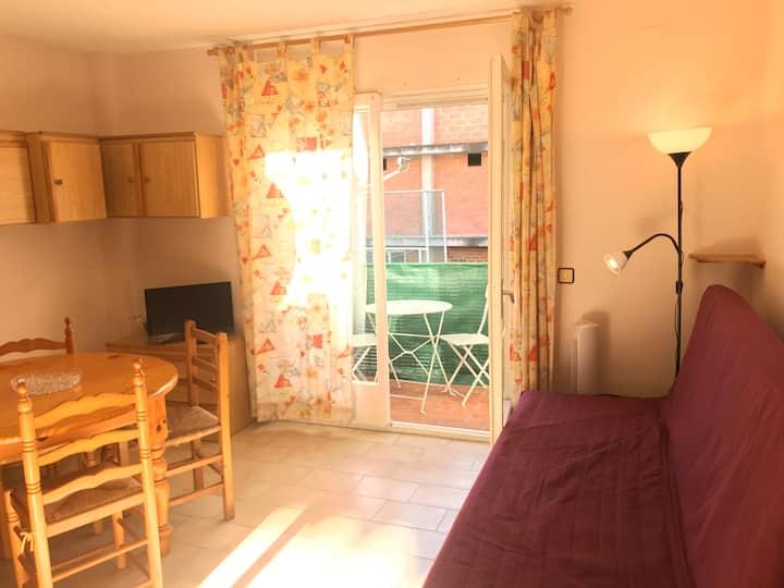 Acogedor apartamento en Roses - 3min a pie playa