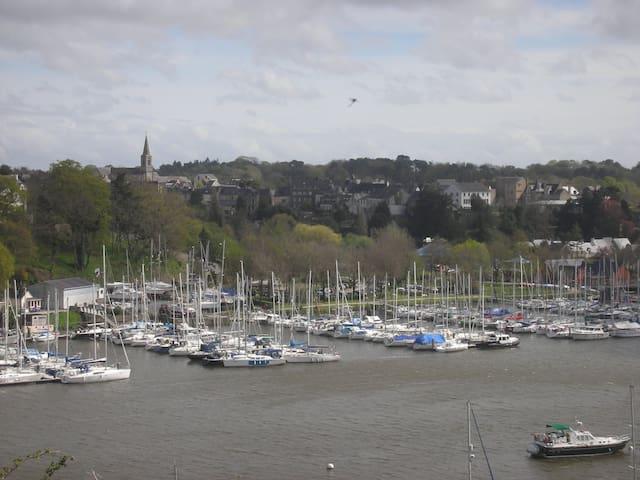 voilier à quai Bretagne sud - La Roche-Bernard - Boat