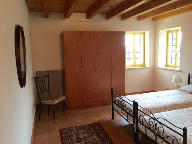 slaapkamer  boven, 24 m2, 2 eenpersoons bedden