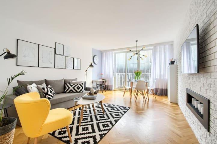 VITKAC Midtown Suite LONG TERM Big Penthouse