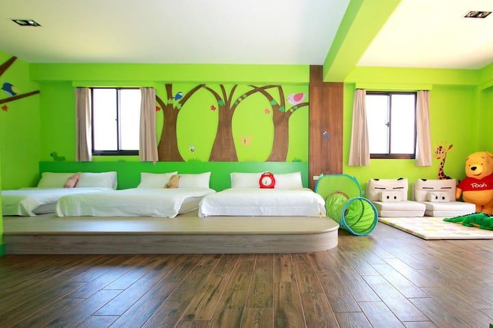 桔的堡(Orange Castle)親子民宿6人房-綠意森林房