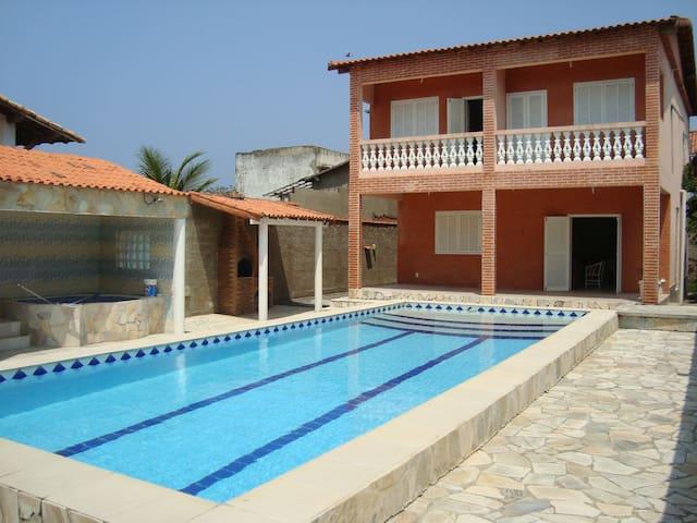 Casa com piscina maravilhosa em Maricá! - Maricá - House