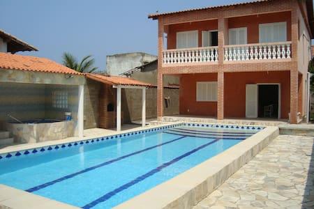 Casa com piscina maravilhosa em Maricá! - Maricá