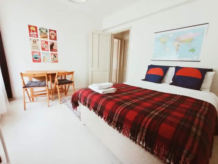Great location, Cozy room in Kadikoy