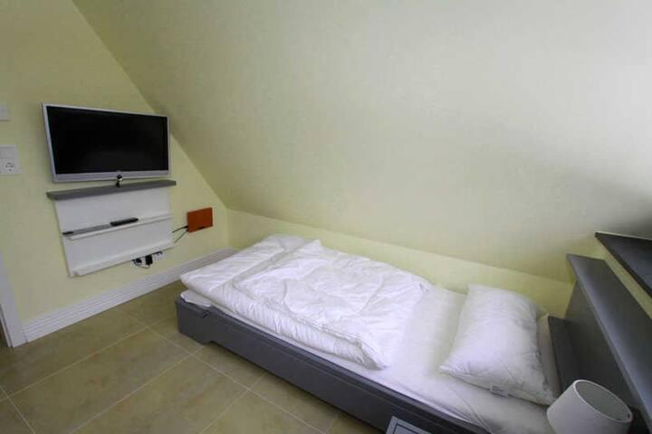 Im Spitzdach Schlafen für 2 Personen