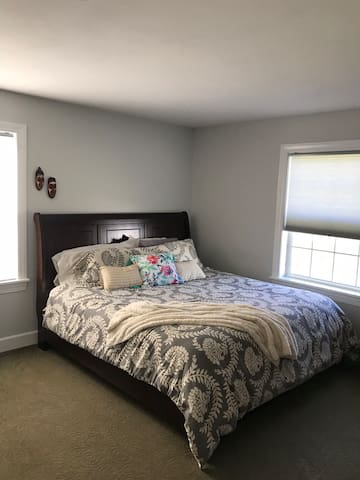 2 bdrm available Colgate '20 Grad. 2mi from campus