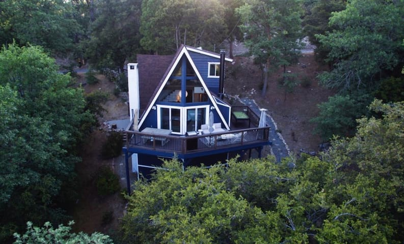 """""""Roots Mountain House""""Modern A-Frame"""