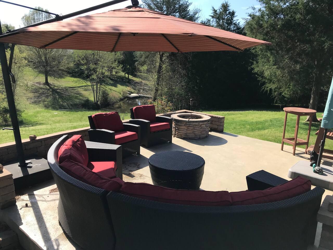 New patio furniture. Awesome 16' umbrella