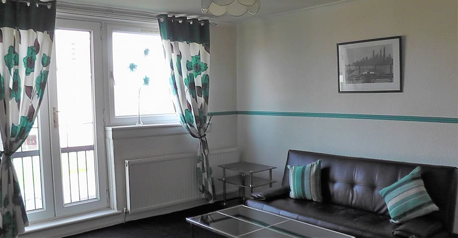 Convenient Apartment - Paisley