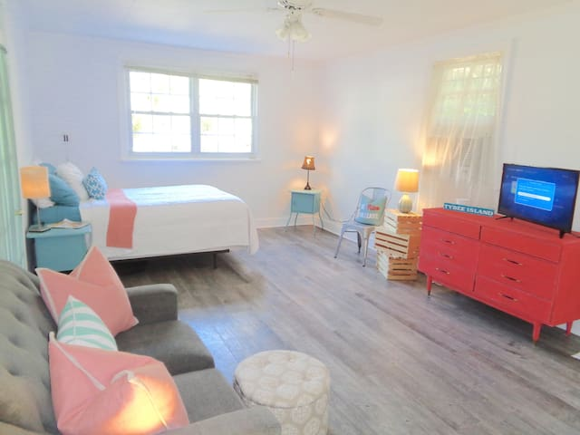 Sweet Beach Retreat-Blue Banana. Blocks to it all!