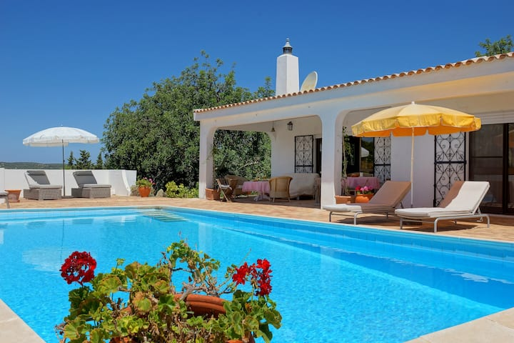 Casa Christina - Private 3 Bed Villa and Pool