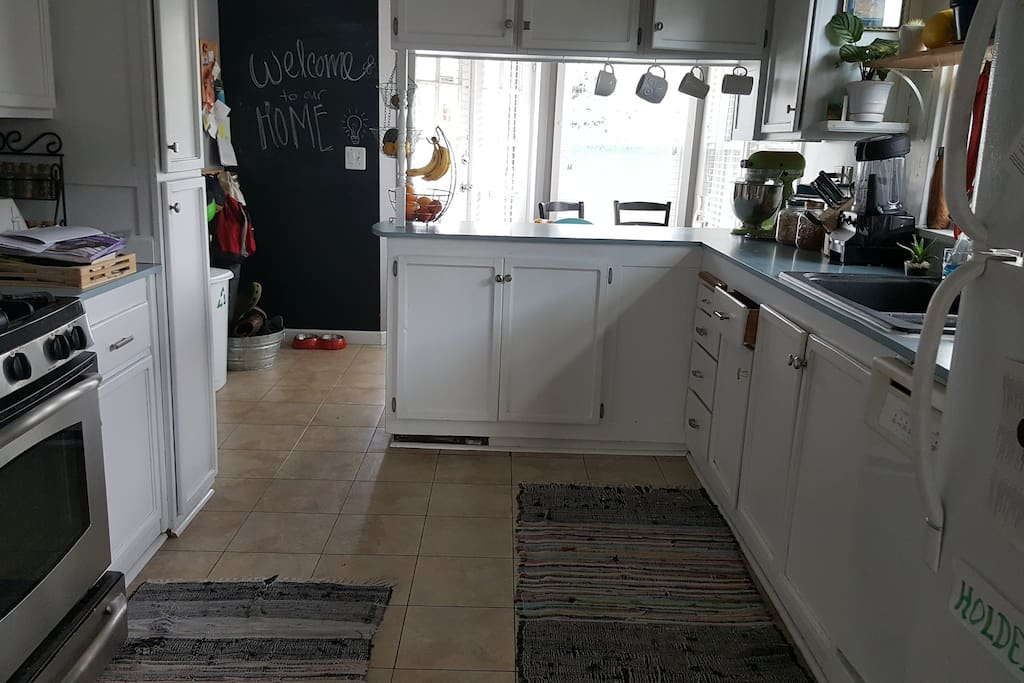 Fully equipped kitchen with gas range