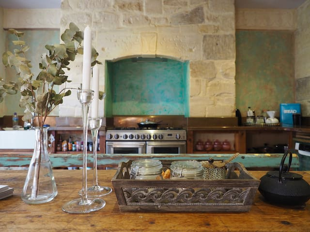 Quirky, Bohemian & Tranquil House in Bath Centre