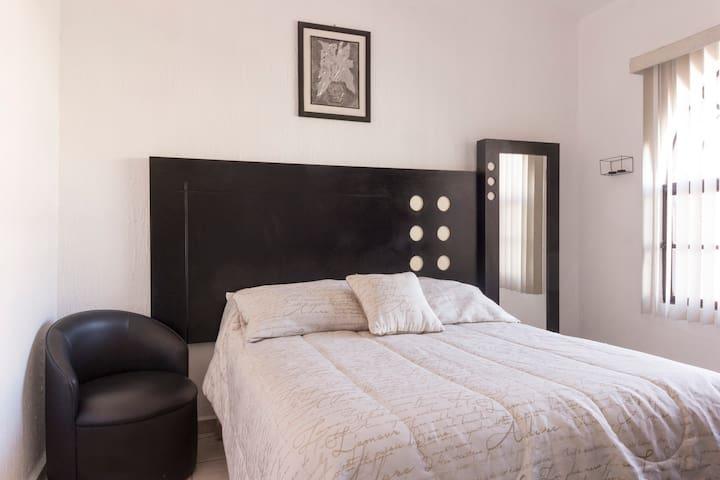 Bonita habitación cómoda en excelente ubicación