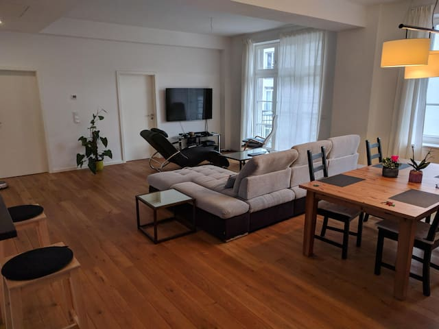 Spacious Neukölln apartment in Berlin (August)