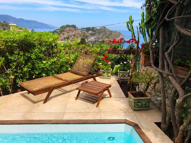 VILLA ISOLA BELLA Small Pool Sea View Terrace