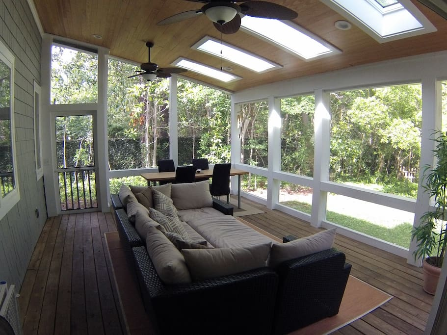 """""""Costa Rica Porch"""" w/ 4 skylights & tropical fans"""