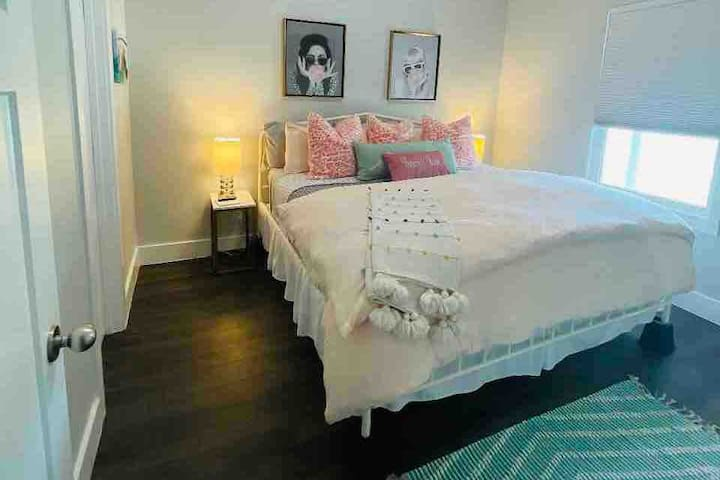 """Awe, Frenchy's Room. Inspired by the lovable Frenchy in Grease. The bed is comfy with luxury linens and the 43"""" TV has lots of streaming channels."""